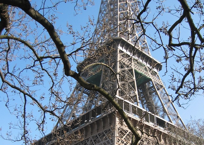 Top 10 things to do in Paris, visit the Eiffel Tower