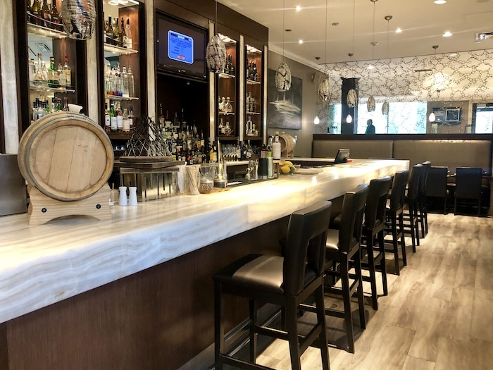 Babbo restaurant and lobby bar at Hockley Valley Resort